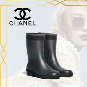 Gorgeous Chanel rain boots 🌧☔️ Must have🥰